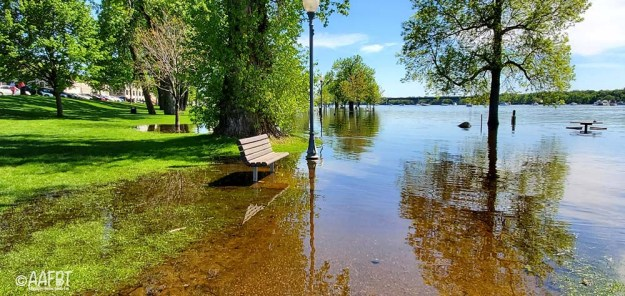 bench-pole-spring-flood-aafbt